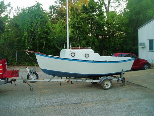 Minuet 15 foot overnight sloop