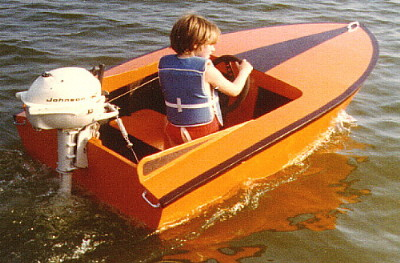 Pee Wee mini-runabout a boat for children
