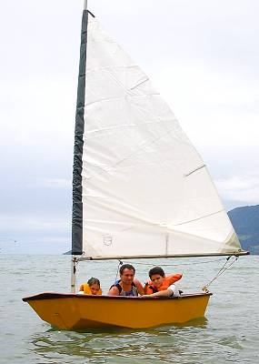 Eight Ball-SG an 8' sailing dinghy for stitch and glue ...