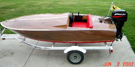 Tiny Might plywood runabout boat plans