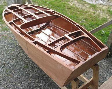 Squirt outboard runabout plans for Building classic small craft